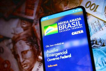 Auxílio emergencial de R$ 300: Saiba quem vai receber as parcelas extras do benefício