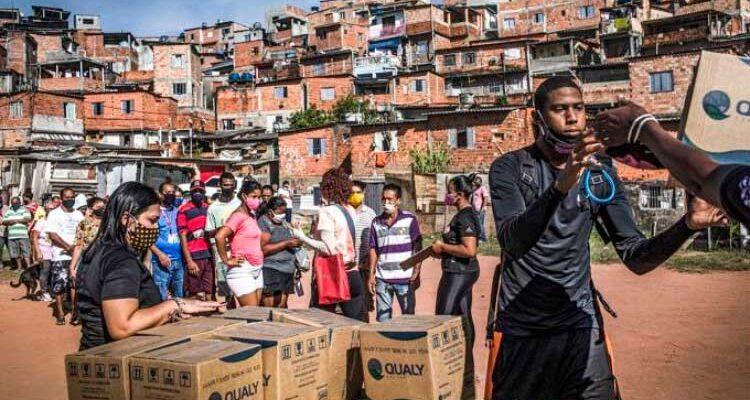 Auxílio emergencial reduziu a pobreza em 23%, diz FGV