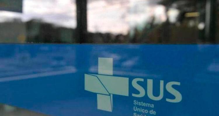 """Privatizar o SUS seria uma """"insanidade"""", sinaliza Paulo Guedes"""