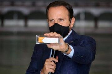 Primeiras 120 mil doses da CoronaVac chegam a São Paulo