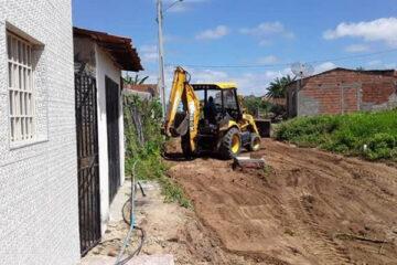 Obra de pavimentação tem continuidade no Povoado de Pelo Sinal
