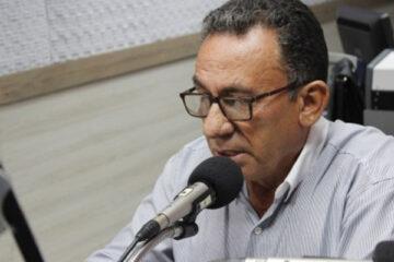 Prefeito Djalma Alves de Solidão foi entrevistado na Rádio Pajeú; ouça e assista