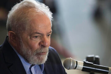 'Serei candidato contra Bolsonaro', diz Lula a revista francesa