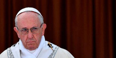 """""""Alguns querem me ver morto"""", declara papa Francisco"""