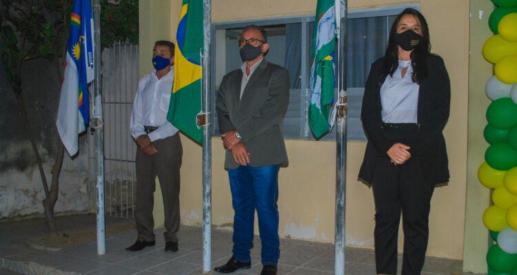 07 de setembro: Hasteamento das Bandeiras em Solidão-PE