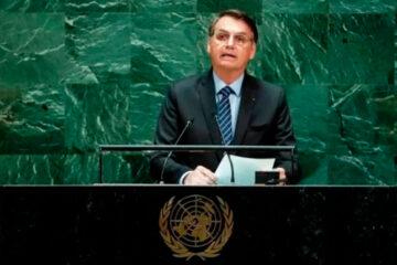 Bolsonaro mente na ONU sobre auxílio emergencial de US$ 800