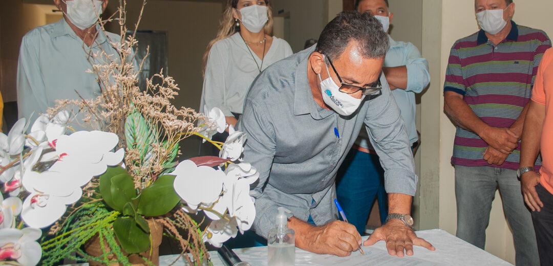 Prefeito Djalma Alves assina ordem de serviço para reforma do prédio da Prefeitura